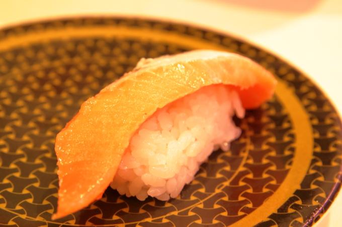 はま寿司・2017年10月5日からの期間限定フェアメニュー・サクラマスにぎり