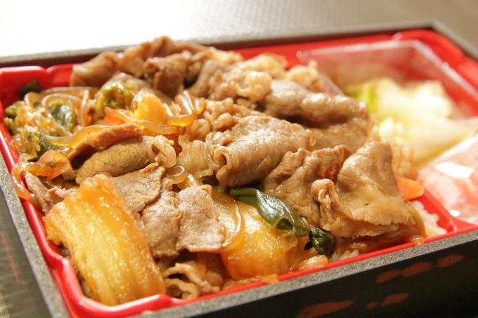 すき家「和牛すき焼き丼」持ち帰り弁当の牛肉