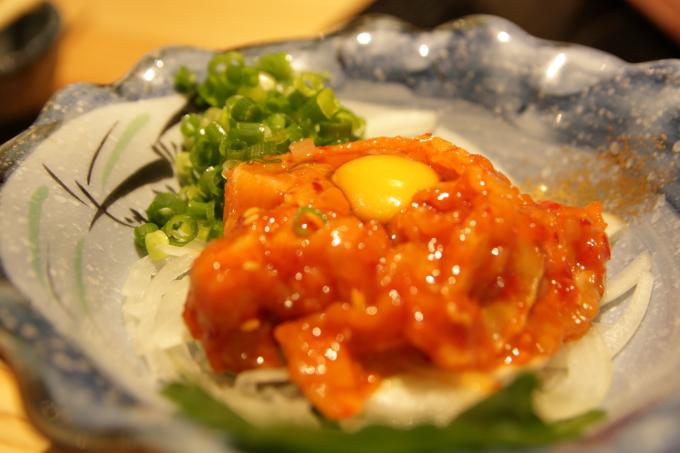 鯛小判の鶏ユッケ