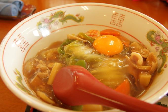 レストラン「かとり」のメニュー「中華丼」