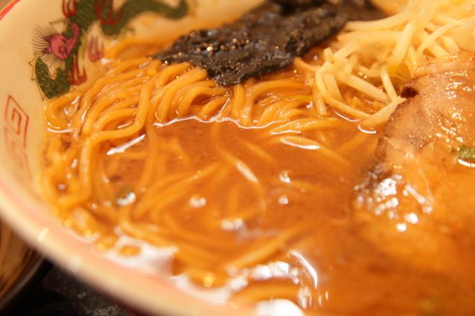 中華そば楽「徳島風中華そば」濃厚なスープ