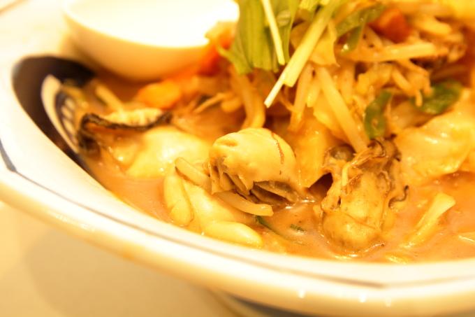 リンガーハットの限定メニュー「かきちゃんぽんみそ」の牡蠣