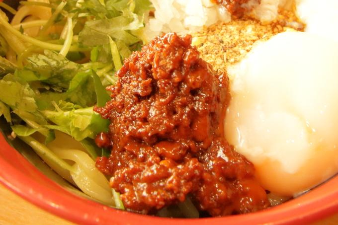 くら寿司 胡麻香る汁なし担々麺の辛味噌