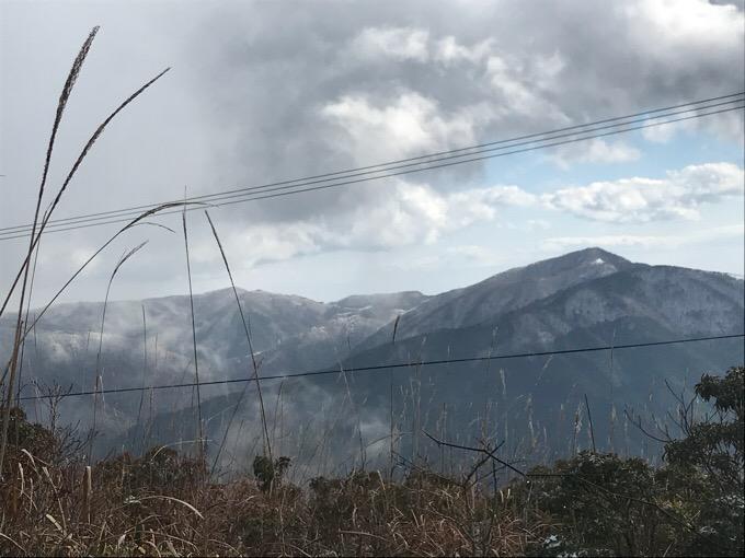 高知・大豊町の梶ヶ森から見た山々