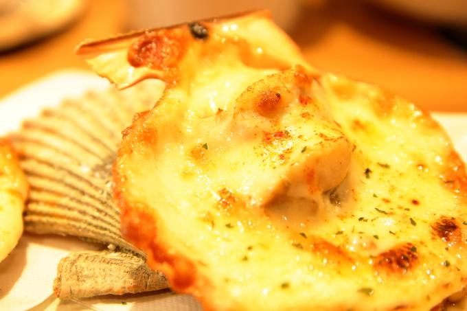 幡多バル・長太郎貝のアリオリチーズグリル