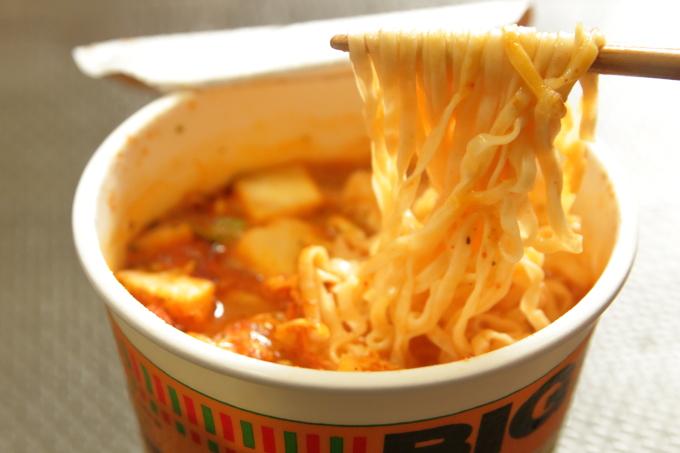 カップヌードル ピザポテトマトの麺