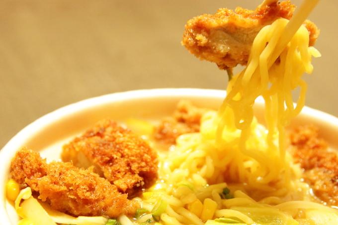くいしんぼ如月 味噌カツじゃん麺のカツと麺