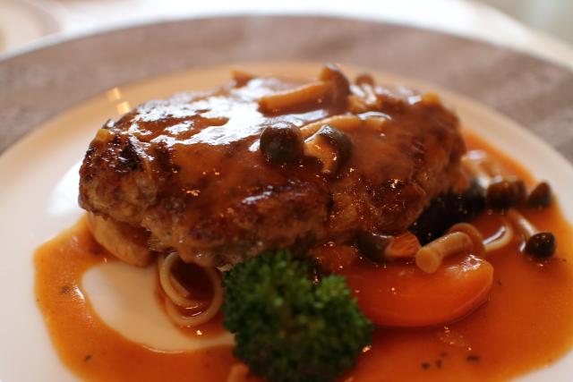 レストラン四季のハンバーグ