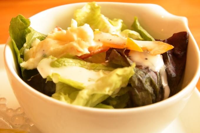 香南市のカフェ テルミツのサラダ