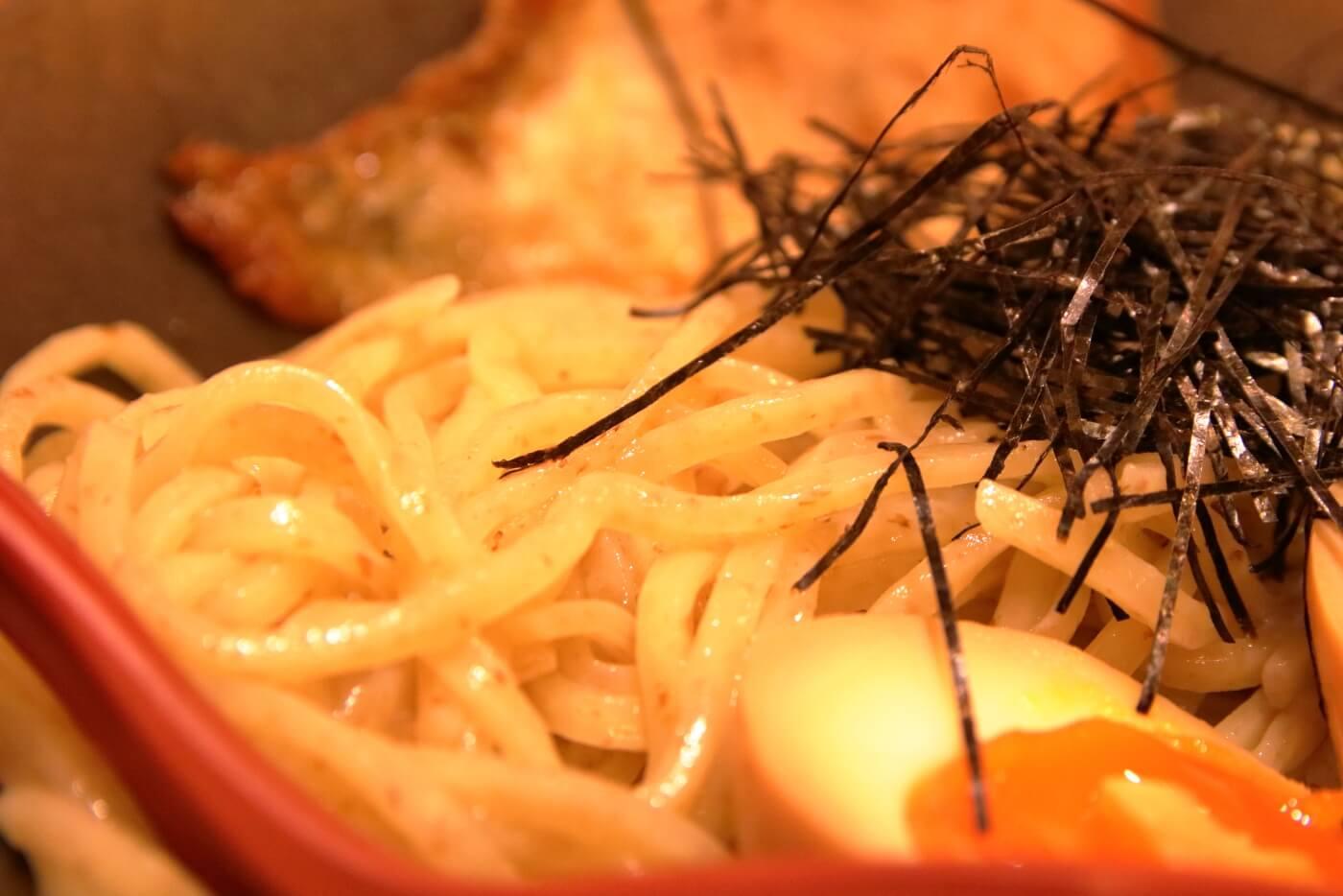 麺屋國丸 南国店 辛味噌つけ麺 全粒粉入りの太麺