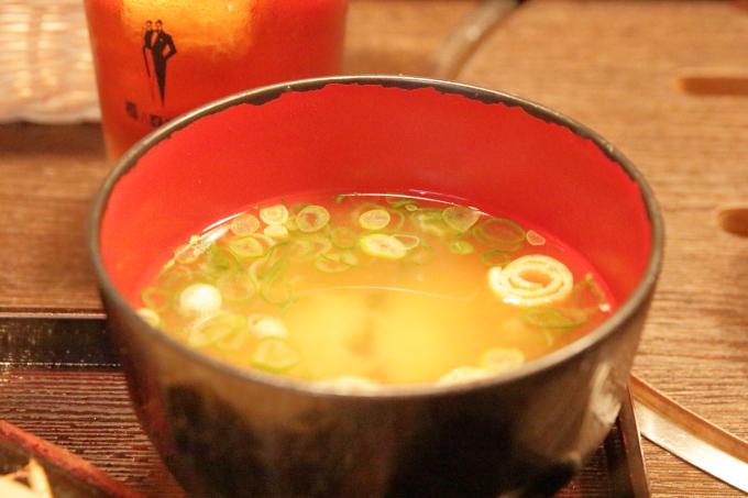 焼肉ぷるこぎ高知店 ステーキ定食の味噌汁