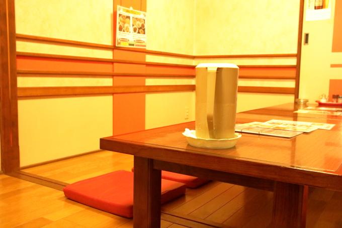 中華料理 鳳龍菜館の店内