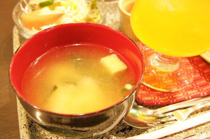 トラットリアTOTO(トト)モーニングの味噌汁
