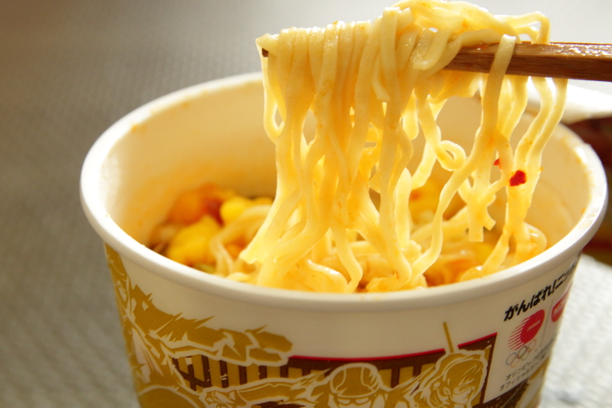 日清カップヌードル 旨辛チーズスンドゥブ味