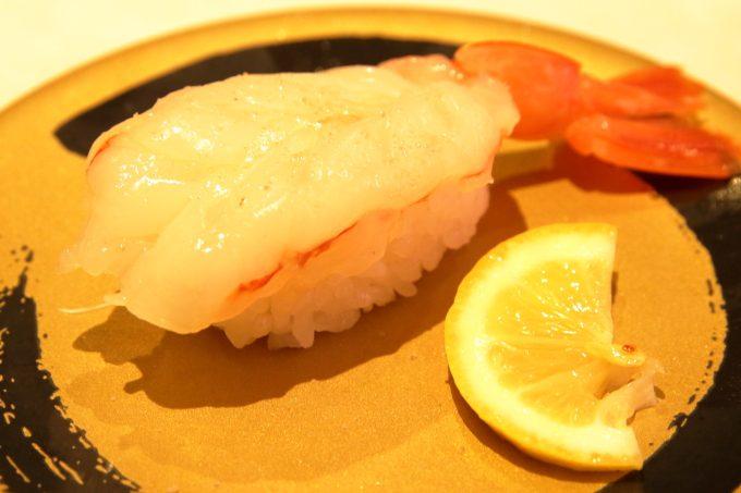 はま寿司の天然赤エビ塩レモン