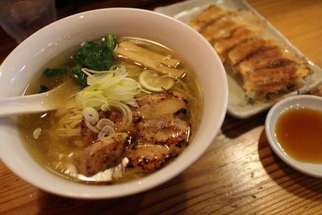 りょう花南国店 鶏塩らー麺(2015年版)