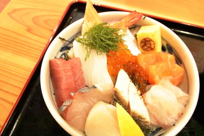 海鮮食堂マルトモ今治イオン海鮮丼
