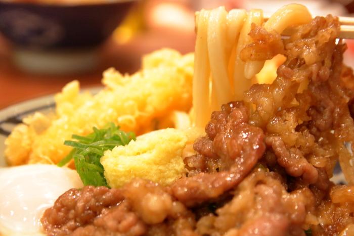 丸亀製麺牛とろ玉うどん