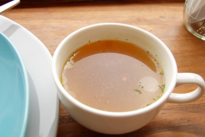 高知ヤ・シィパークのカフェ マナマナのランチ マナマナプレートのスープ