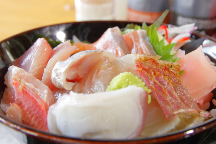 ヤ・シィパーク 池澤鮮魚店 助八 海鮮丼定食