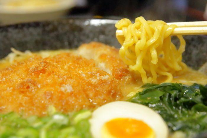 ラーメン食堂黒まる 味噌カツラーメン