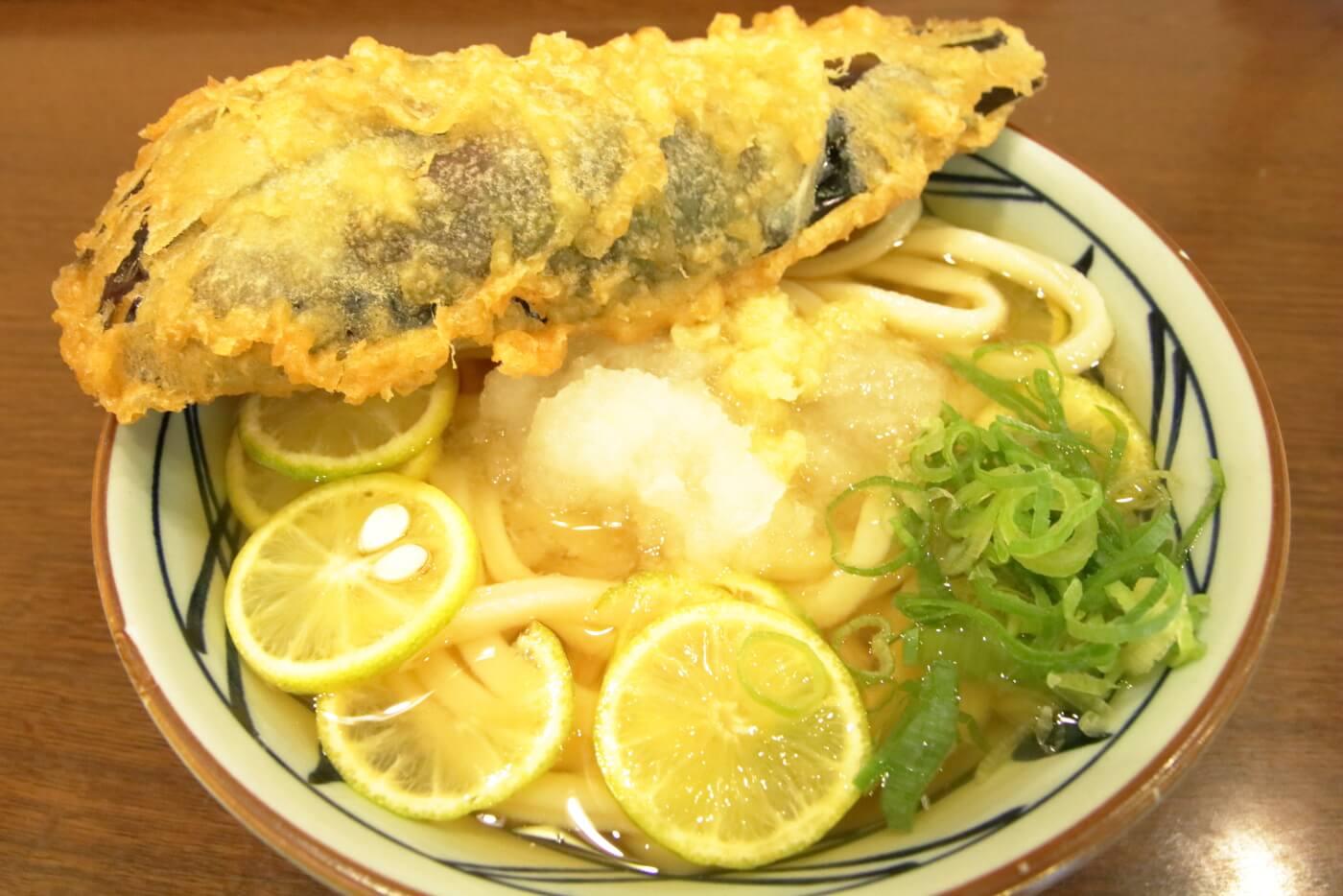 丸亀製麺 西日本限定 丸ごとすだち冷かけうどん