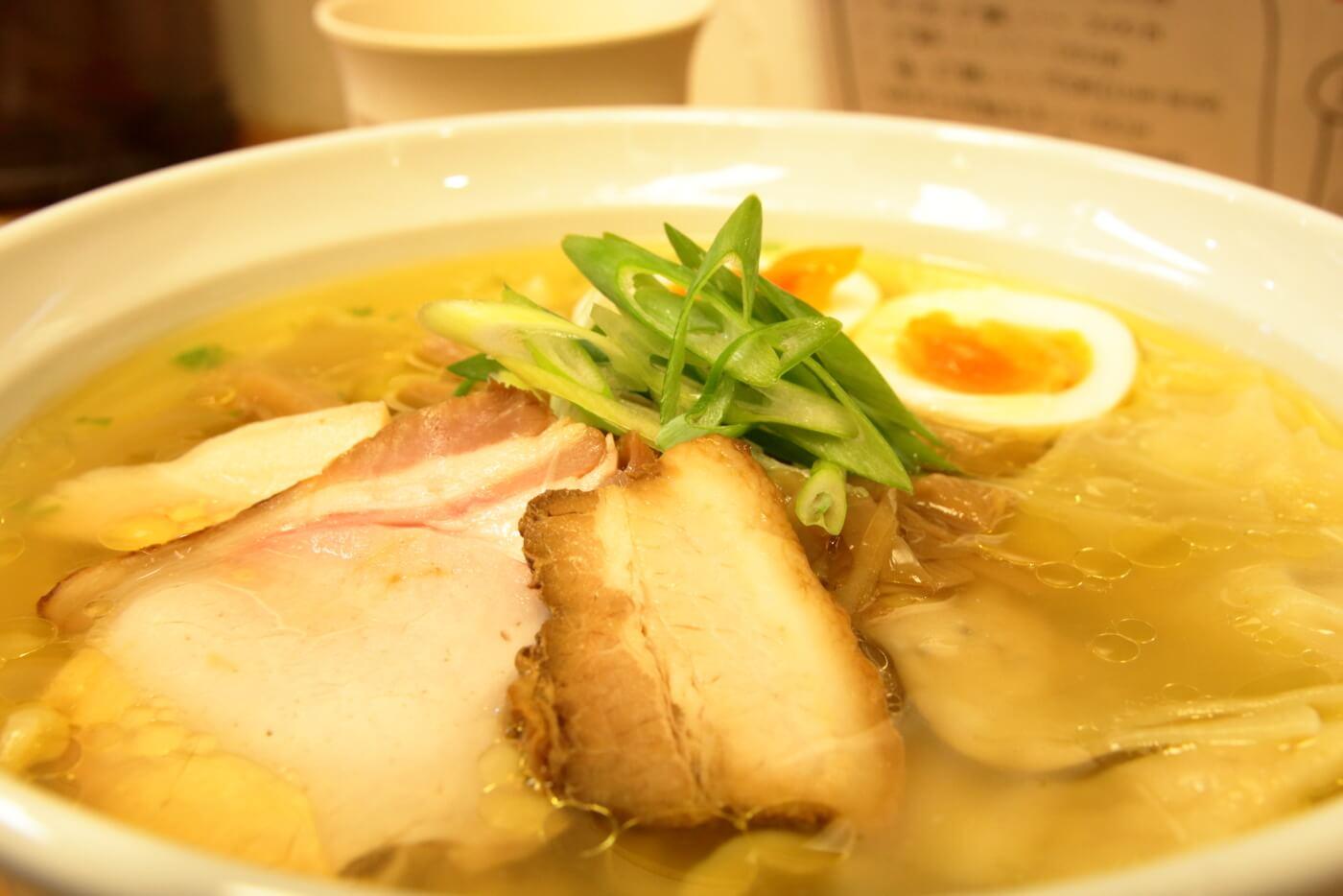 高知市 鶏と魚 特製塩ラーメン