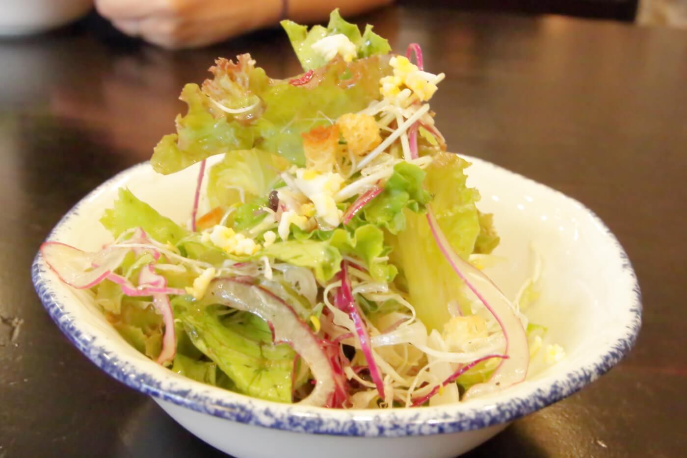 高知市ルビストロタシマ ランチのサラダ