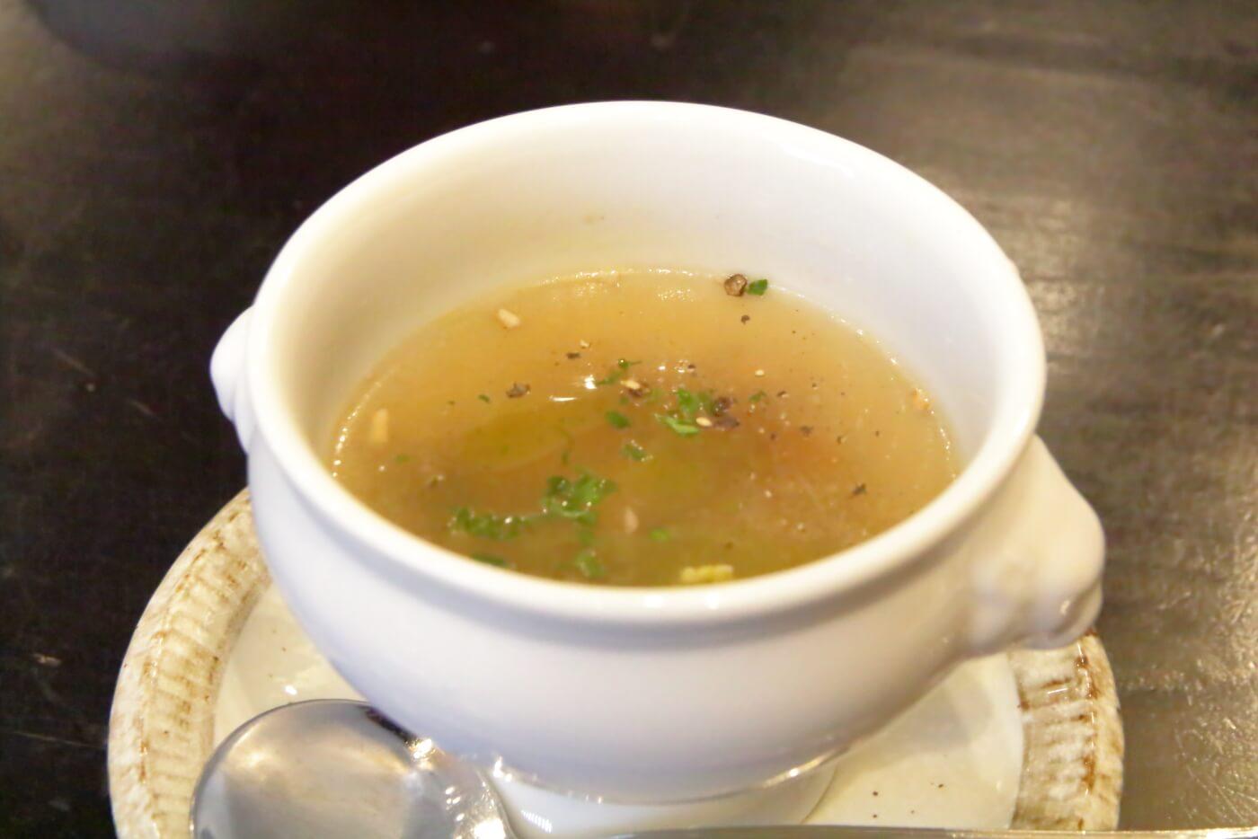 高知市ルビストロタシマ ランチのスープ