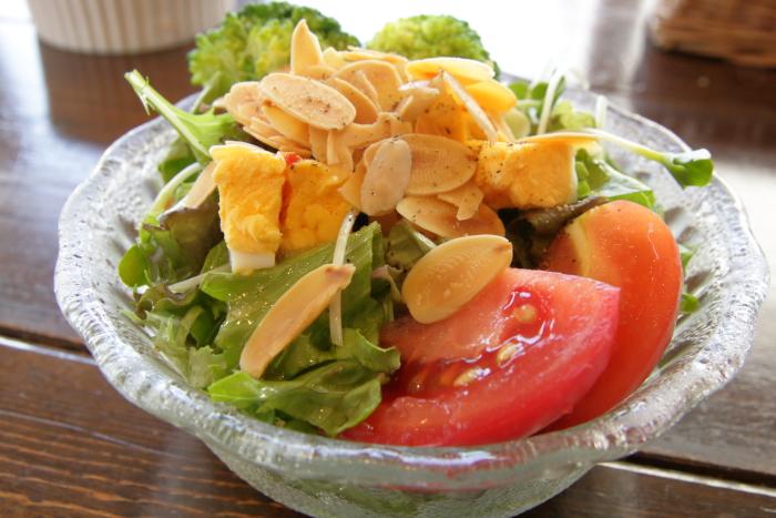 高知市高須ランヤニコットのサラダ