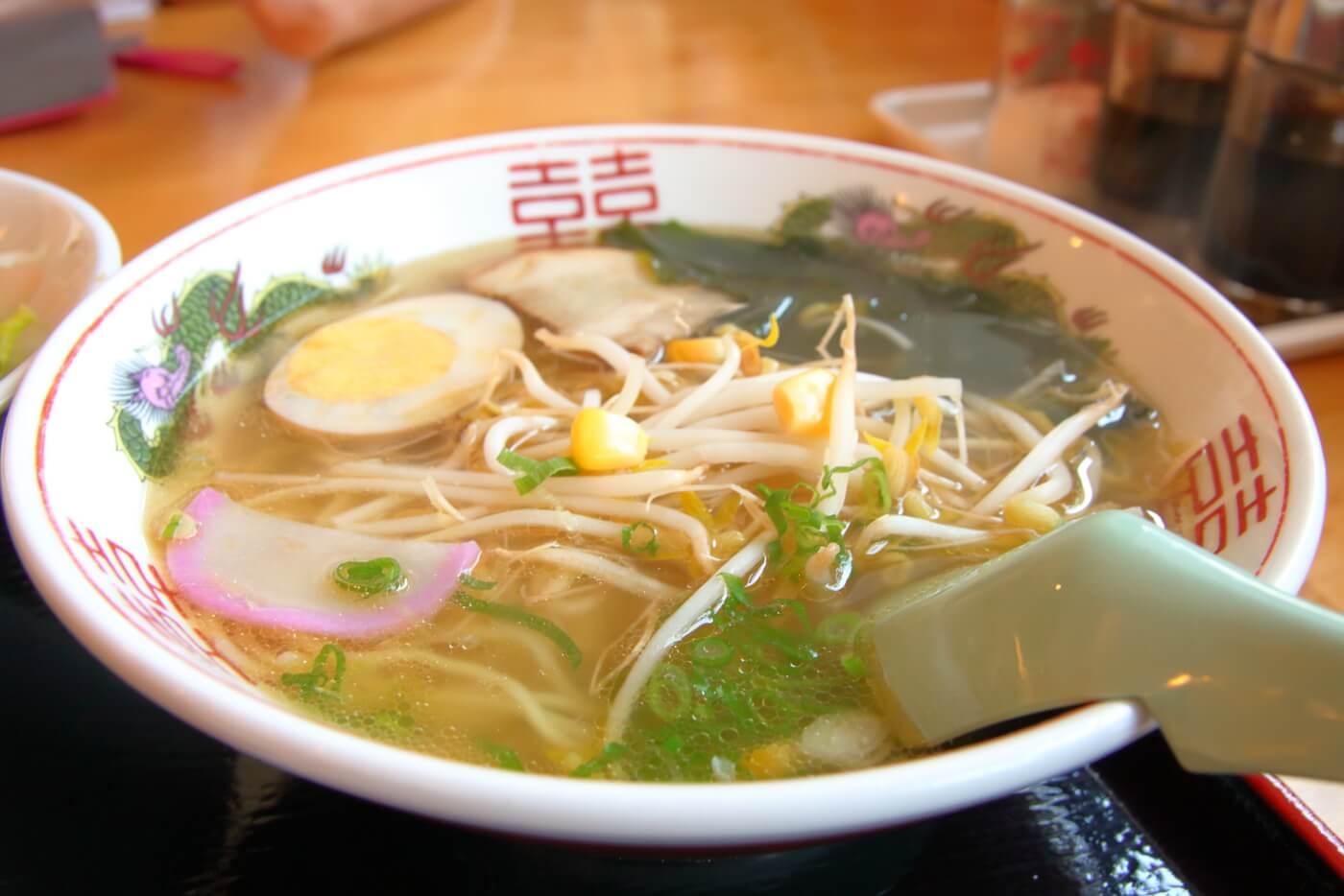 高知市 FAMILY RESTAURANT ASAHI ファミリーレストランアサヒ 満足プチ丼セットのラーメン