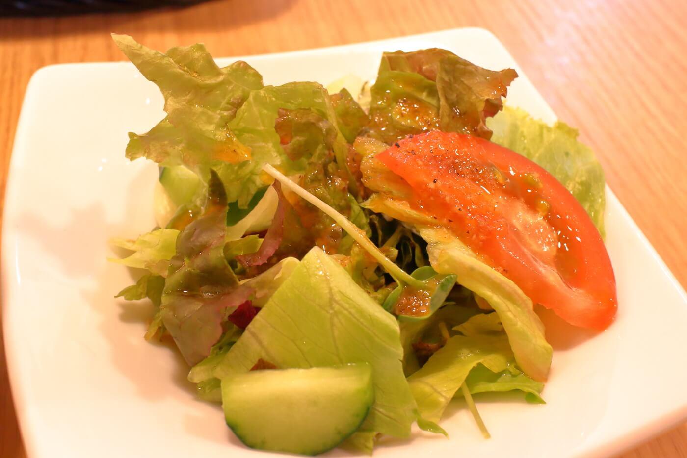 高知市 エンガワ ランチのサラダ