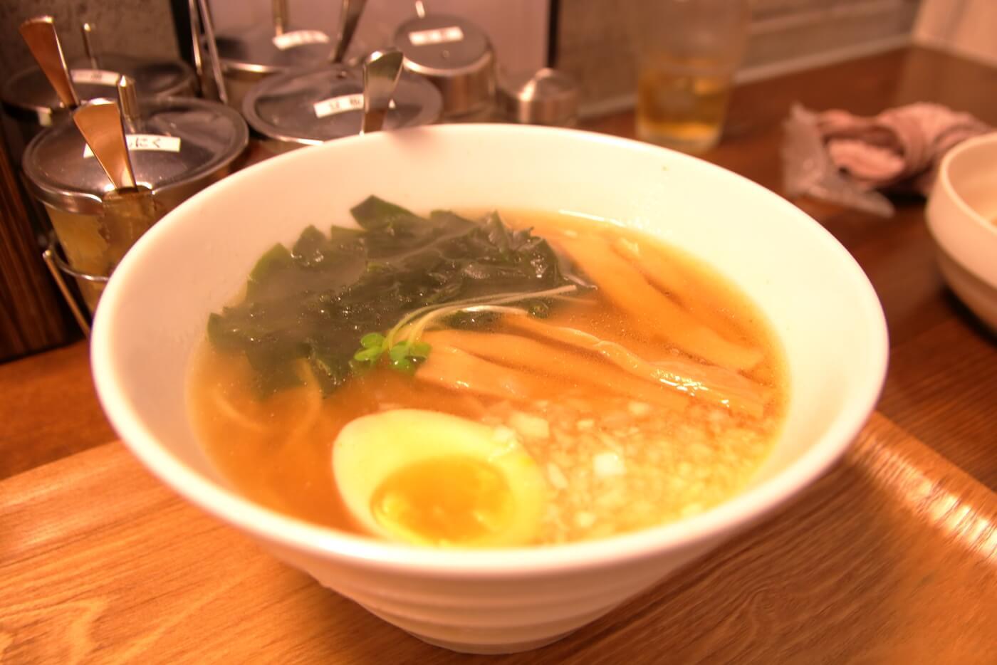 高知市一宮のラーメン店 和へる(あえる) 普通のラーメン(醤油)