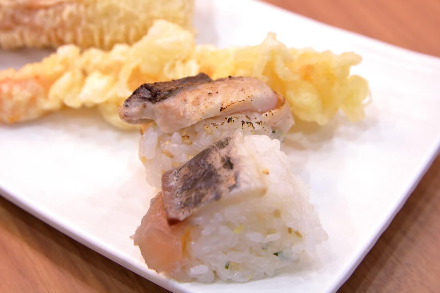 うどんごめん サバ寿司 エビ天 ちくわ天
