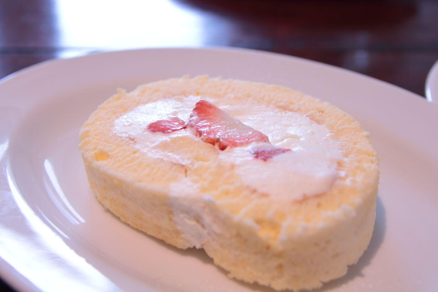 cafe Melba(メルバ)の手作りケーキ イチゴのロールケーキ