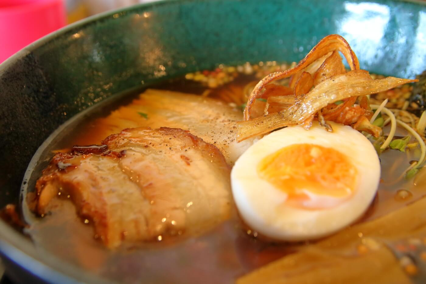 一宮徳谷 八丁目どり 牡蠣とあさりの醤油ラーメン