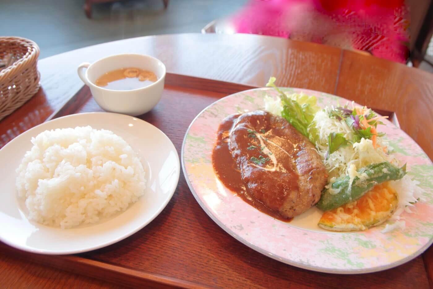 Real食堂 西山珈琲館 合い挽き肉のハンバーグセット220g