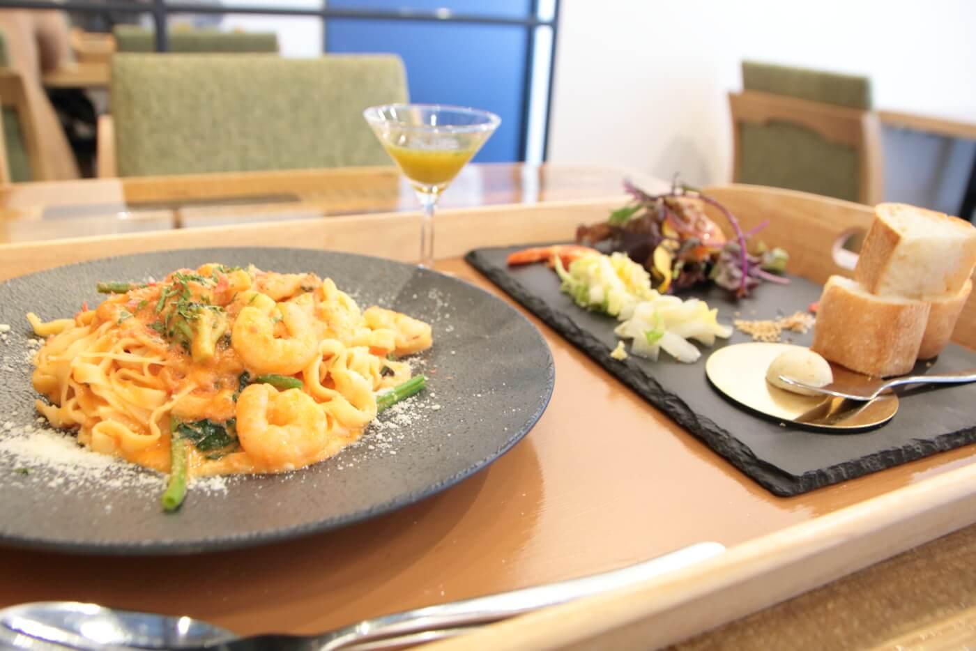 PIzzeriaORTO オルト ランチ 2種海老のトマトクリームパスタ