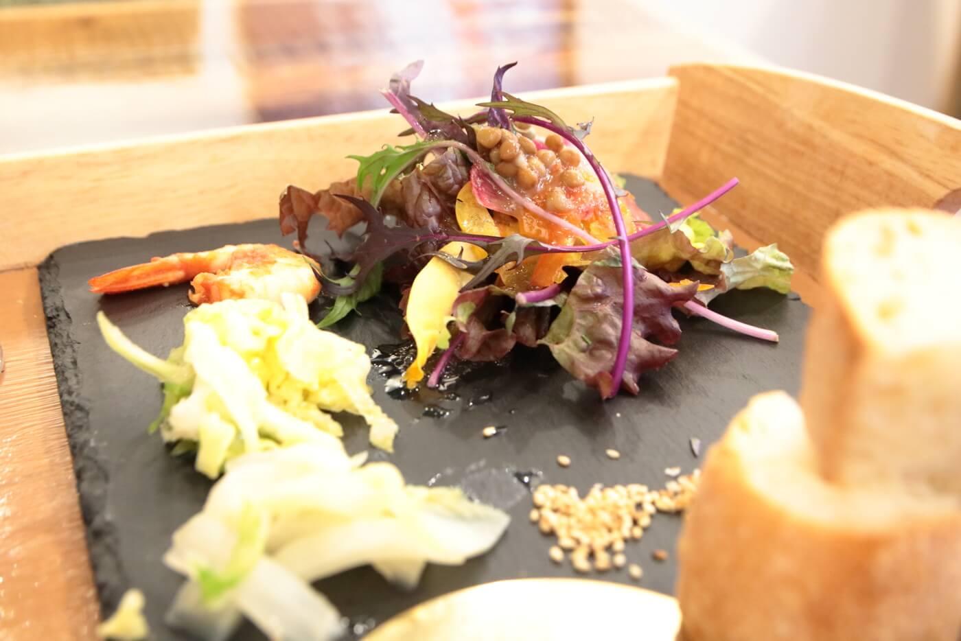 PIzzeriaORTO オルト ランチのサラダや前菜