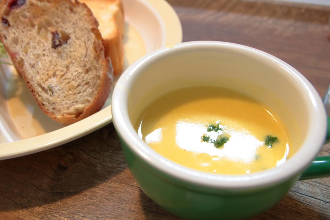 イソップの台所 イソップモーニングに付けたポタージュスープ