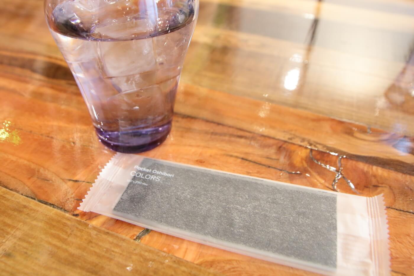 PIzzeriaORTO オルト 水が入ったグラスとお手拭き