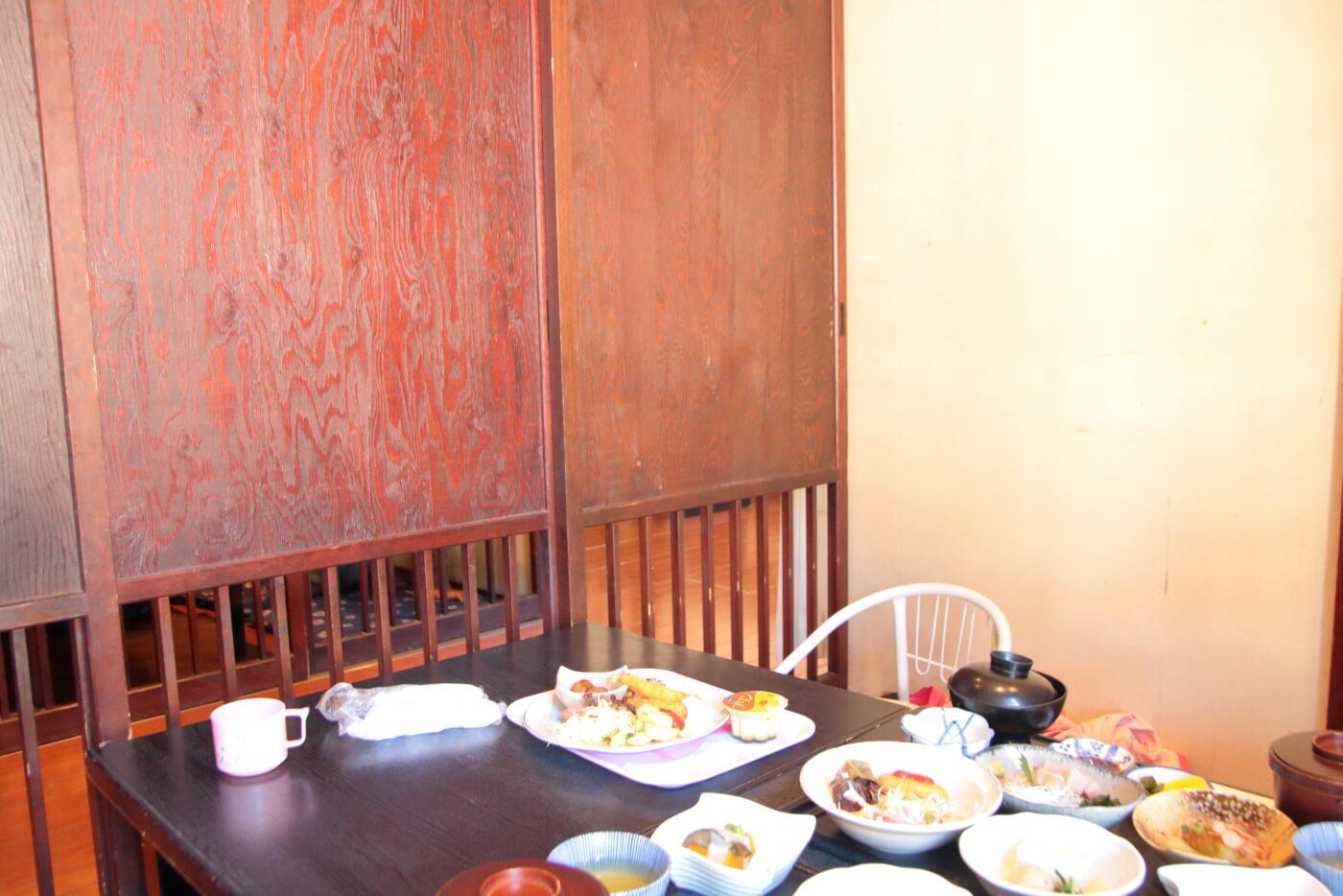 旬家おひざもとの内観 完全個室になった座敷