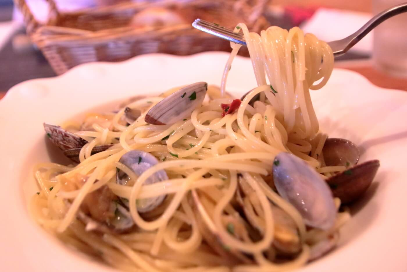香美市土佐山田町のイタリア料理屋さんクアットロスタジオーニのランチ アサリのガーリックあえ スパゲッティ