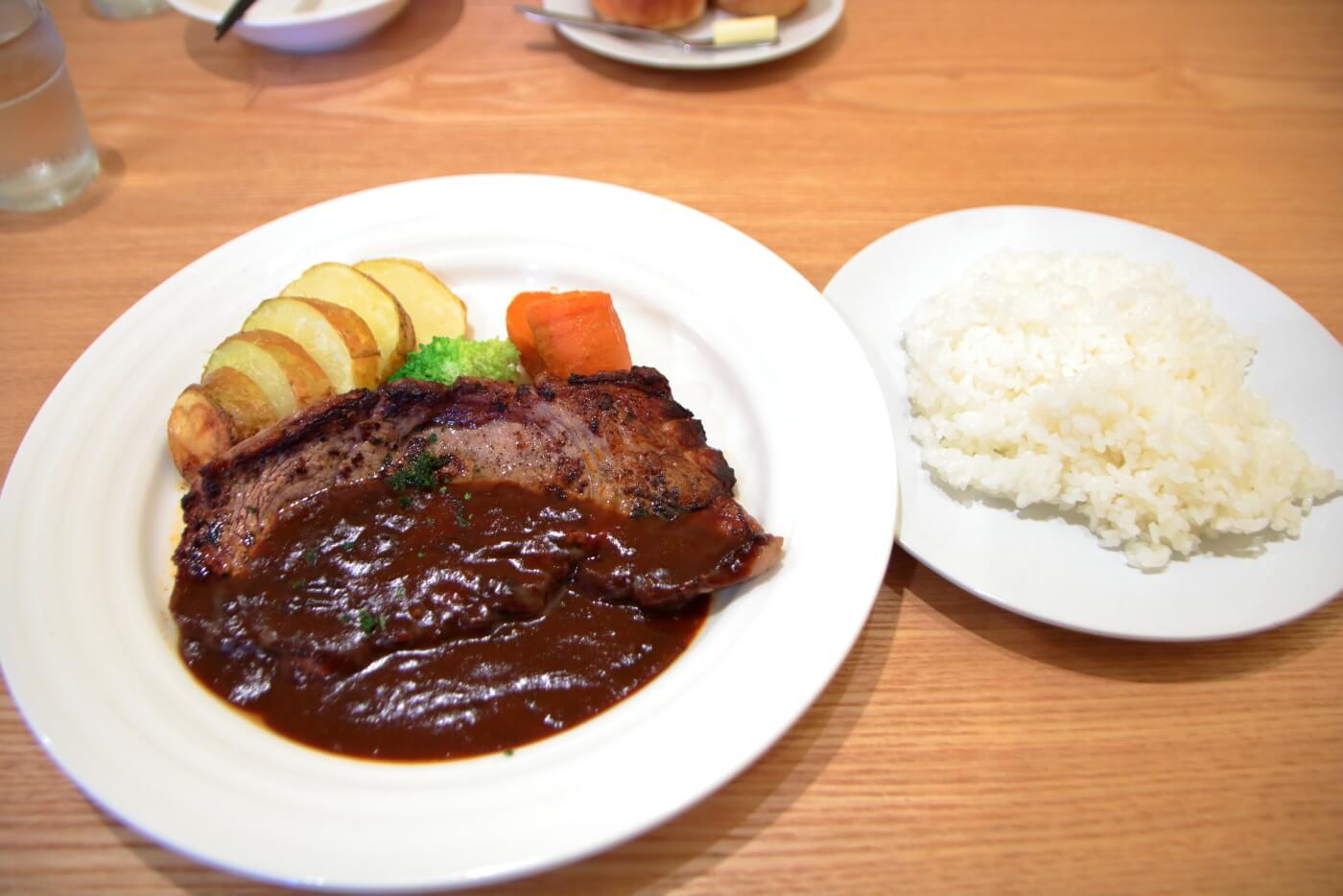 高知・南国市のレストランnoiのランチB シャリアピンステーキとライス