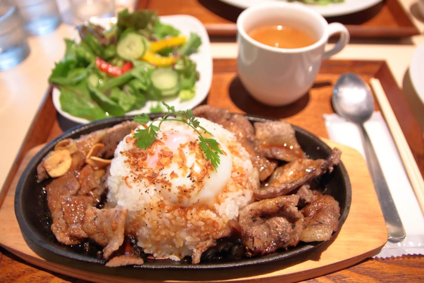 高知蔦屋書店 RAKUDA NIKU BARU JAPAN(ラクダニクバル) 鉄板焼肉ご飯