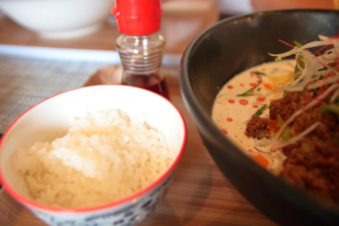 高知一宮のラーメン屋さん 八丁目どり 冷やし豆乳担々麺の追い飯