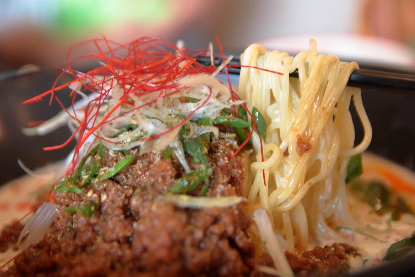 高知一宮のラーメン屋さん 八丁目どり 冷製豆乳担々麺