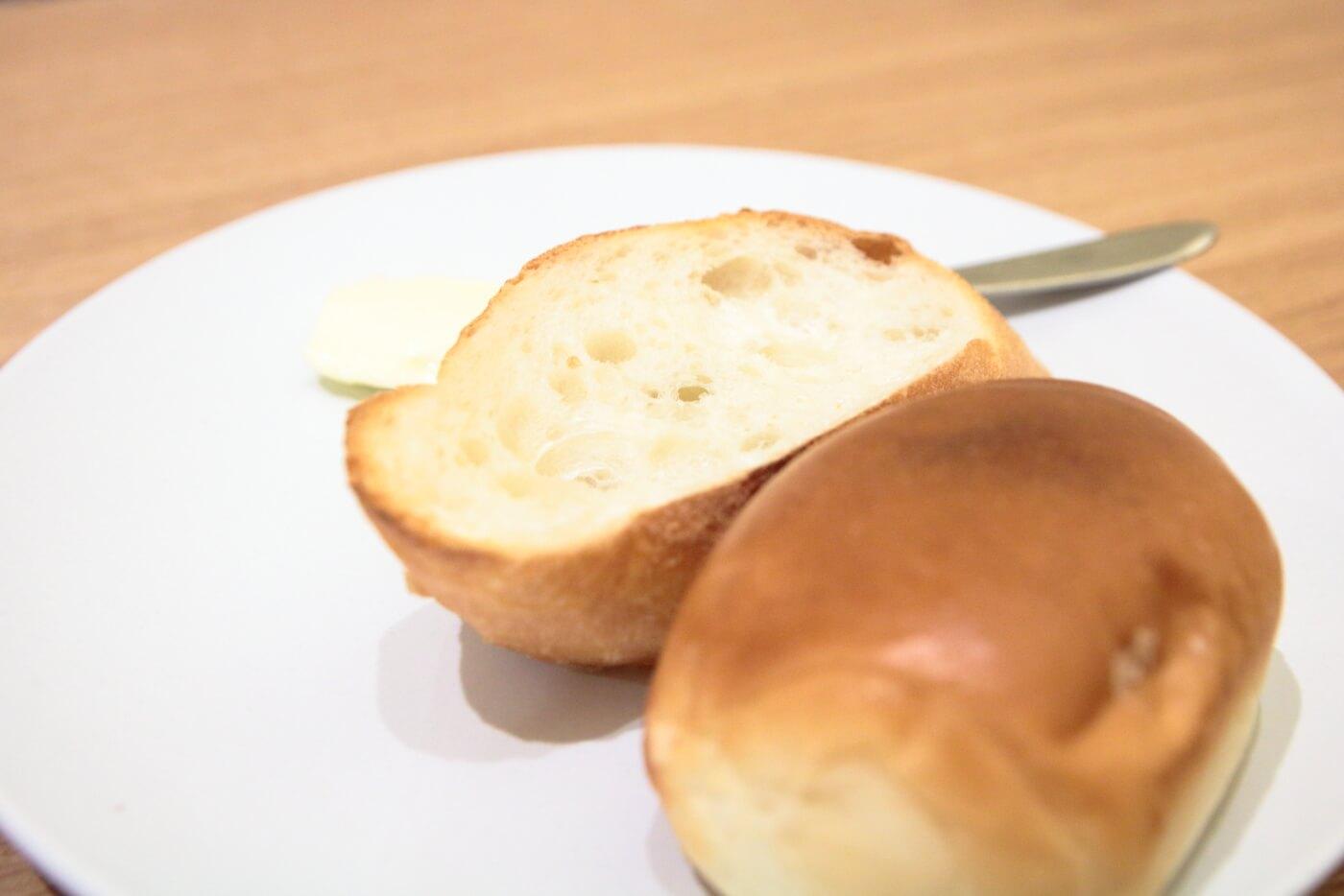 高知・南国市のレストランnoiのランチに付くパン