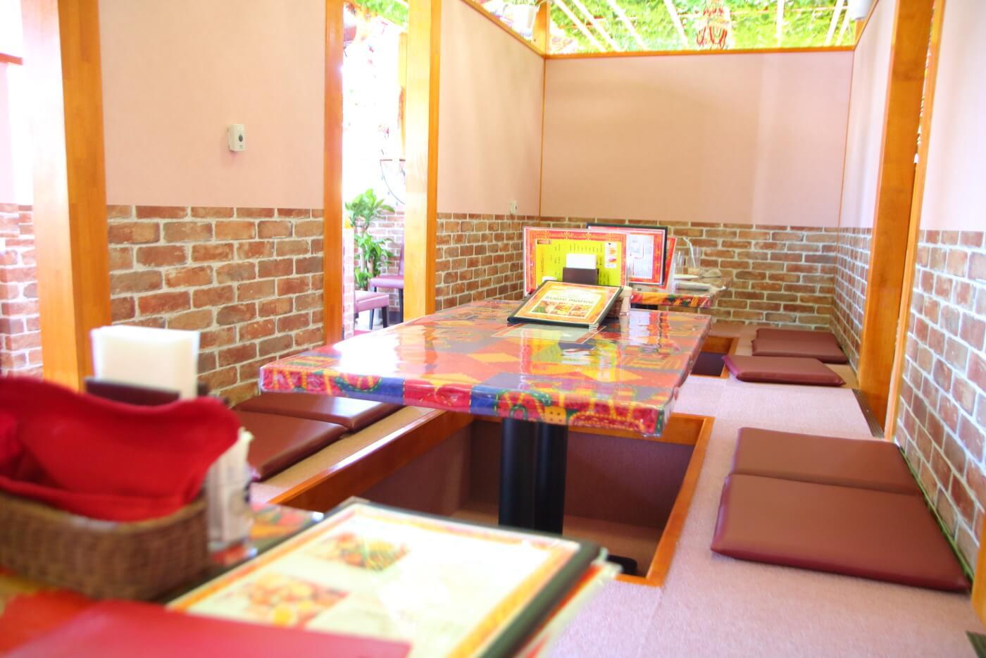 インド料理 スビマハル 内観 掘りごたつ座敷