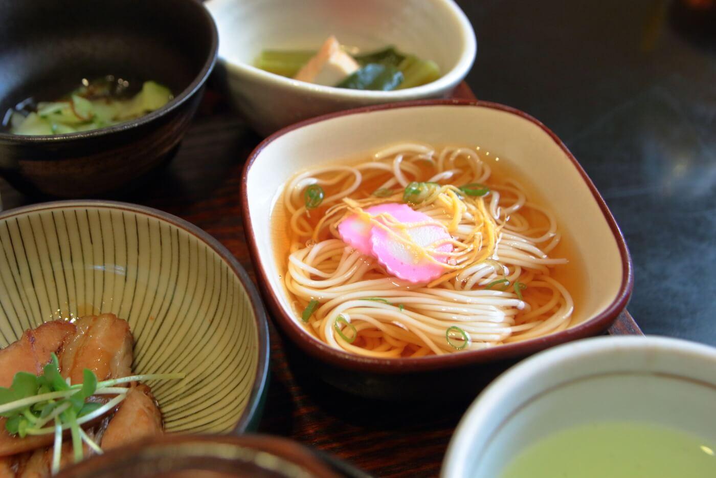 高知/土佐市 稲月(いなつき) 小鉢お造り膳のソーメン